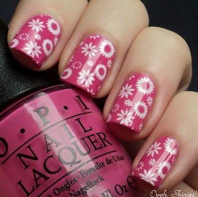 Unhas com Flores Cor de Rosa