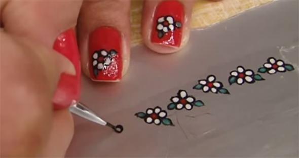 Adesivo de unhas desenho florzinhas