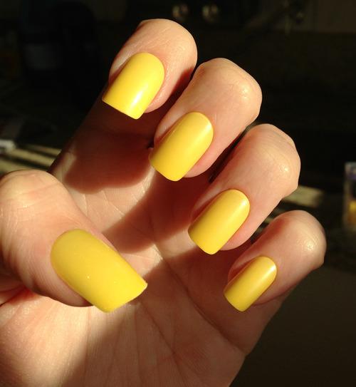 unhas-pintadas-esmalte-amarelo (28)